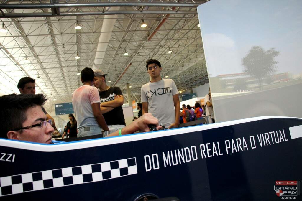 Do mundo real para o Virtual -- Simulador Virtual Grand Prix Campus Party CPBR8