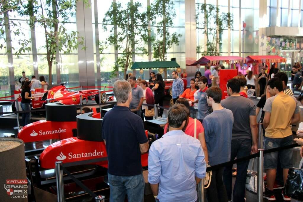 Evento Semana Somos Santander - Simualdoress F1 Ferrari