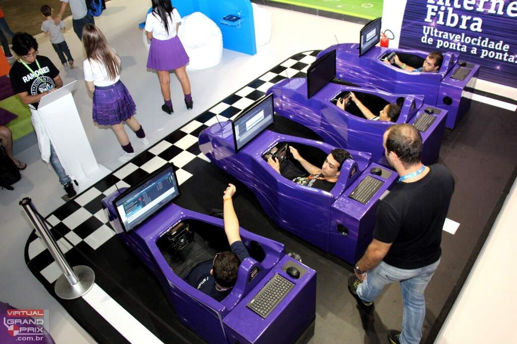 Simuladores F1 VIVO na Campus Party